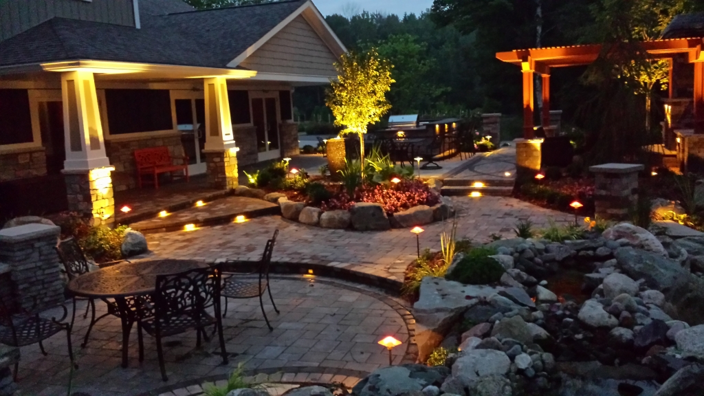 Landscape Lighting Book : Light up your landscape design reder landscaping
