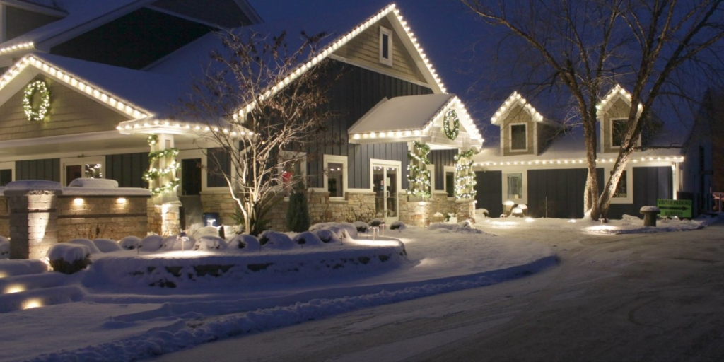 Reder Landscaping Outdoor Christmas Lighting