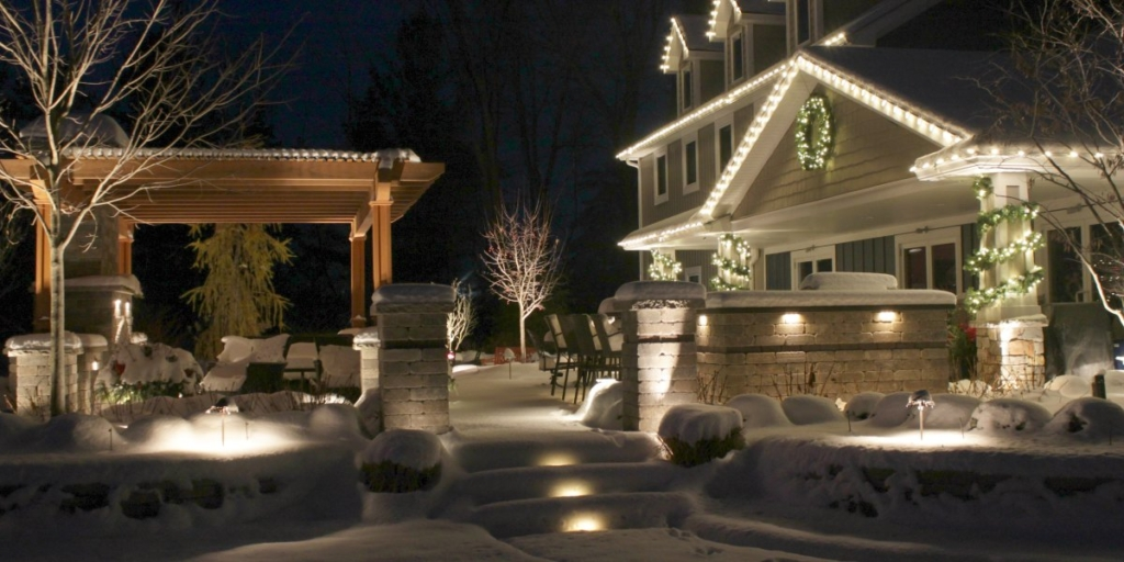 reder-landscaping-holiday-lighting-3